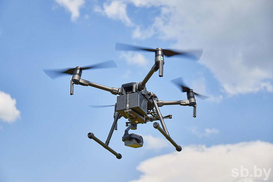 Чему обучают на курсах по управлению дронами
